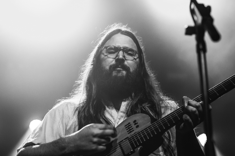 Matthew E. White (Photo by Jen Tse)