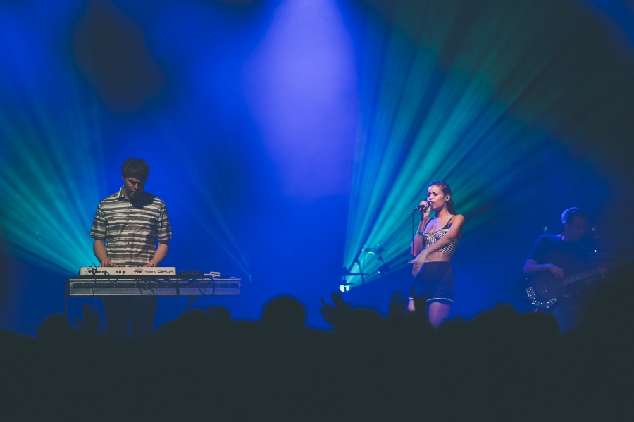 AlunaGeorge, OFF Festival (Photo by Tom Spray)
