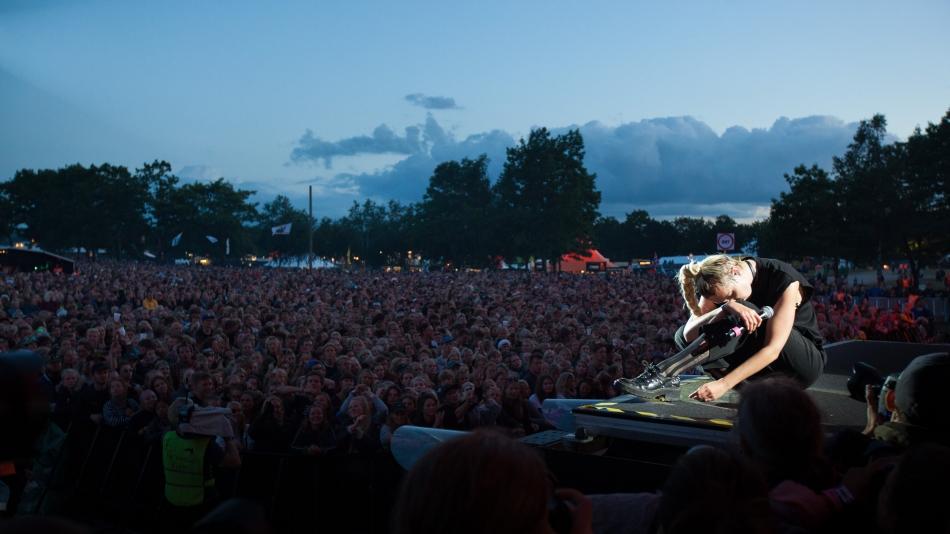 Mø live at Roskilde Festival 2016