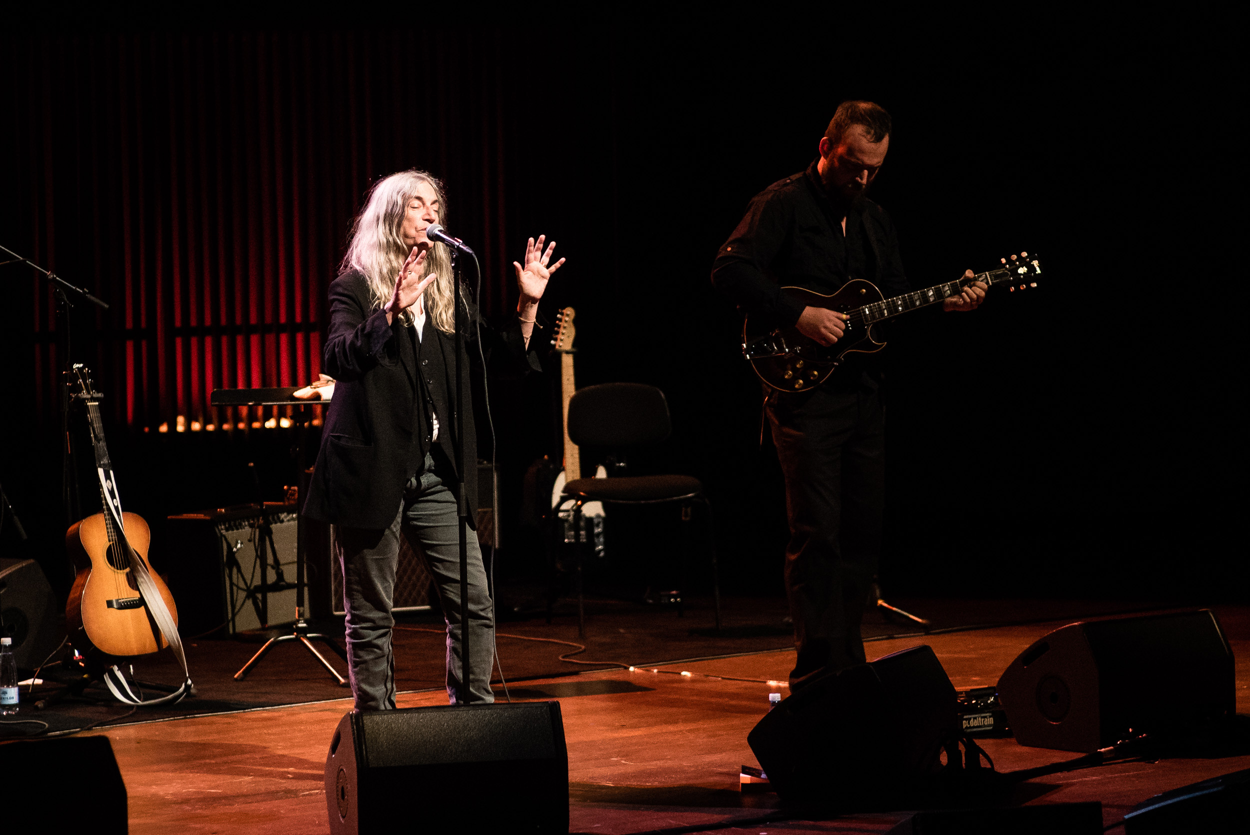 patti smith a colorful life lived in music Patti smith, along with her friend robert mapplethorpe, lived a particular new  york  their own photographs, making their own songs, and i think that's a  beautiful thing  the colored handkerchief he would fold and tuck in his back  pocket.