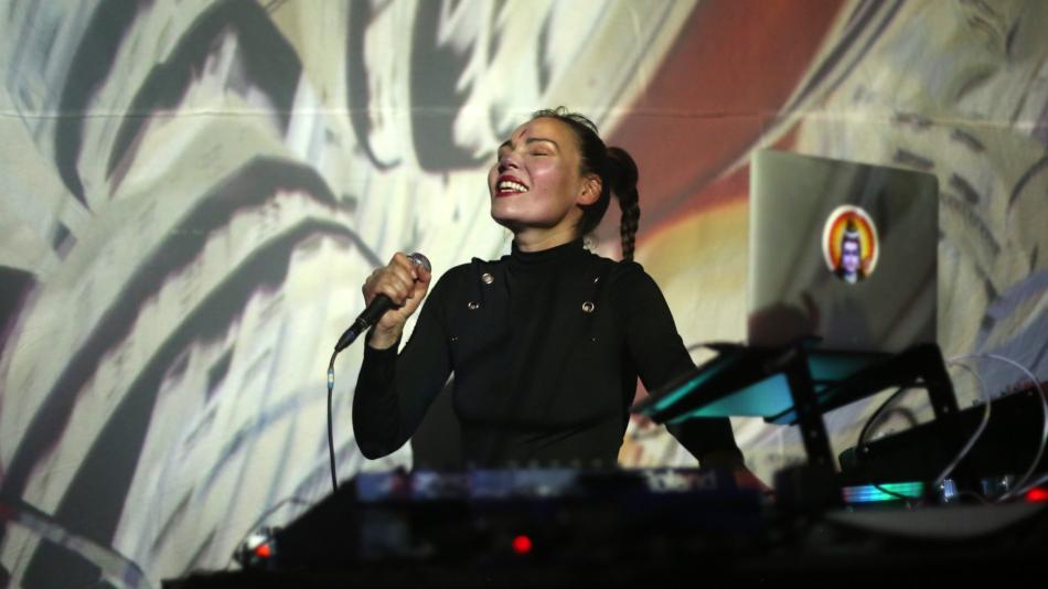 Aïsha Devi live at Alice Copenhagen